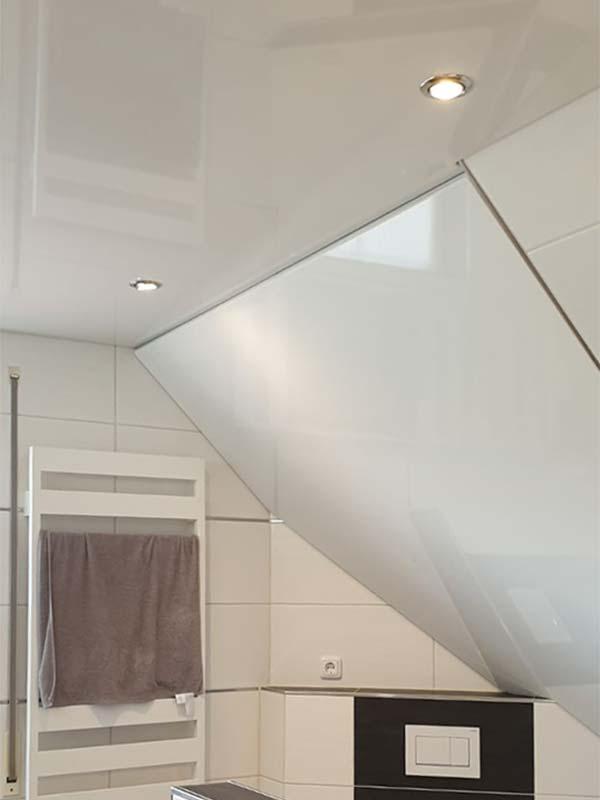 Badezimmer mit Schräge nachher